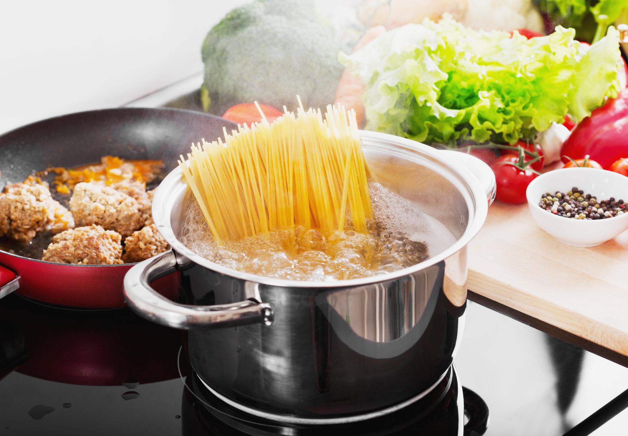 Сохраняйте 7 советов от итальянцев: как правильно варить пасту ☑️